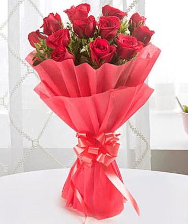12 adet kırmızı gülden modern buket  Antalya Melisa çiçek yolla