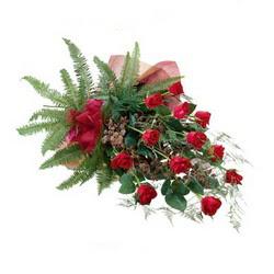 Antalya Melisa online çiçek gönderme sipariş  10 adet kirmizi gül özel buket çiçek siparisi