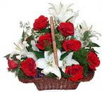 sepette gül ve kazablankalar   Antalya Melisa çiçekçi mağazası