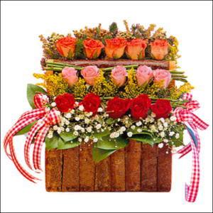 sandikta 3 kat güllerden   Antalya Melisa cicekciler , cicek siparisi