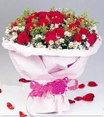 Antalya Melisa internetten çiçek satışı  12 ADET KIRMIZI GÜL BUKETI