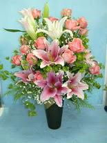 Antalya Melisa internetten çiçek satışı  cam vazo içerisinde 21 gül 1 kazablanka