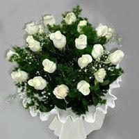 Antalya Melisa hediye çiçek yolla  11 adet beyaz gül buketi ve bembeyaz amnbalaj