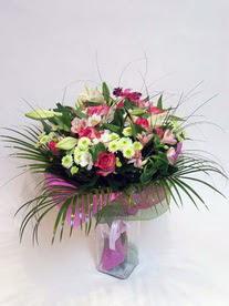 Antalya Melisa hediye çiçek yolla  karisik mevsim buketi mevsime göre hazirlanir.