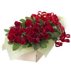 19 adet kirmizi gül buketi  Antalya Melisa güvenli kaliteli hızlı çiçek