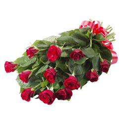 11 adet kirmizi gül buketi  Antalya Melisa yurtiçi ve yurtdışı çiçek siparişi