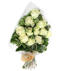 Antalya Melisa online çiçekçi , çiçek siparişi  12 li beyaz gül buketi.