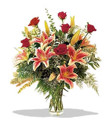 Antalya Melisa çiçek servisi , çiçekçi adresleri  Pembe Lilyum ve Gül