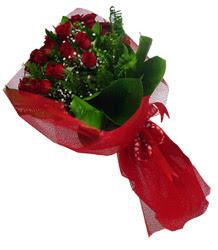 Antalya Melisa çiçek gönderme sitemiz güvenlidir  10 adet kirmizi gül demeti