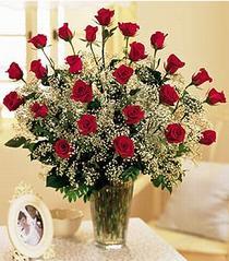 Antalya Melisa çiçek , çiçekçi , çiçekçilik  özel günler için 12 adet kirmizi gül