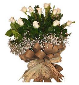 Antalya Melisa çiçekçi telefonları  9 adet beyaz gül buketi