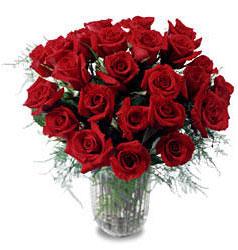 Antalya Melisa çiçek gönderme sitemiz güvenlidir  11 adet kirmizi gül cam yada mika vazo içerisinde