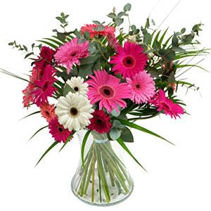 15 adet gerbera ve vazo çiçek tanzimi  Antalya Melisa online çiçek gönderme sipariş