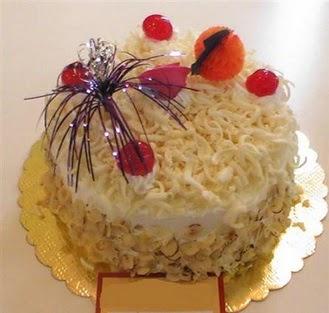 pasta siparisi 4 ile 6 kisilik yaspasta mis lezzette  Antalya Melisa çiçekçi telefonları