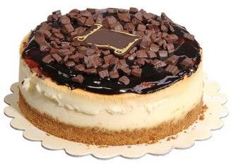 pasta yolla 4 ile 6 kisilik çikolatali yas pasta  Antalya Melisa online çiçek gönderme sipariş