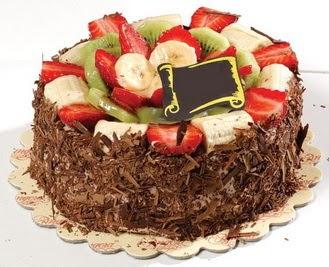 pastaci firmasindan 4 ile 6 kisilik çikolata meyvali yaspasta  Antalya Melisa çiçek siparişi sitesi