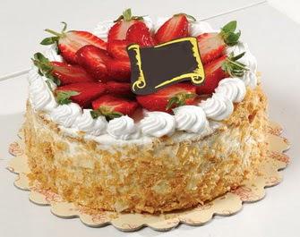 uygun pastaneler 4 ile 6 kisilik çilekli yas pasta lezzetli  Antalya Melisa çiçek siparişi vermek