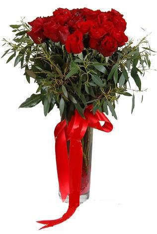 15 adet kirmizi gül cam vazo içerisinde  Antalya Melisa internetten çiçek satışı