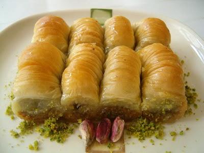 tatli gönder Essiz lezzette 1 kilo Fistikli Sari Burma  Antalya Melisa cicekciler , cicek siparisi
