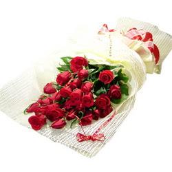 Çiçek gönderme 13 adet kirmizi gül buketi  Antalya Melisa çiçek satışı