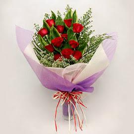 çiçekçi dükkanindan 11 adet gül buket  Antalya Melisa çiçekçi mağazası