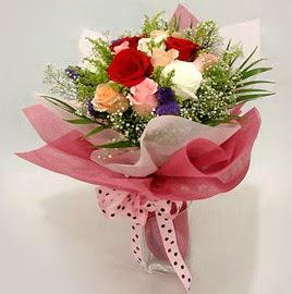 Karisik renklerde 11 adet gül buketi  Antalya Melisa çiçek gönderme