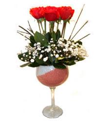 Antalya Melisa çiçekçiler  cam kadeh içinde 7 adet kirmizi gül çiçek