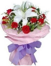 9 adet kirmizi gül 1 adet kazablanka buketi  Antalya Melisa çiçekçi mağazası