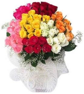 Antalya Melisa çiçekçi telefonları  51 adet farklı renklerde gül buketi