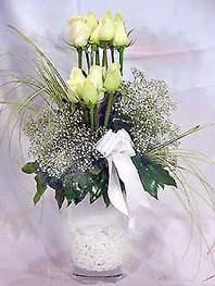 Antalya Melisa online çiçek gönderme sipariş  9 adet vazoda beyaz gül - sevdiklerinize çiçek seçimi