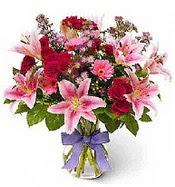 Vazo içerisinde karışık mevsim çiçeği  Antalya Melisa çiçek siparişi sitesi