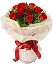 12 adet kırmızı gül buketi  Antalya Melisa anneler günü çiçek yolla