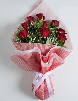 9 adet kırmızı gülden buket  Antalya Melisa çiçek satışı