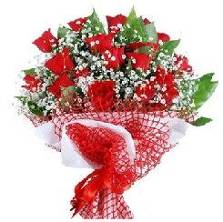 11 kırmızı gülden buket  Antalya Melisa 14 şubat sevgililer günü çiçek