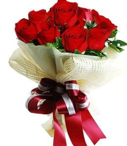 9 adet kırmızı gülden buket tanzimi  Antalya Melisa çiçek gönderme sitemiz güvenlidir