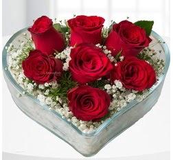 Kalp içerisinde 7 adet kırmızı gül  Antalya Melisa çiçek servisi , çiçekçi adresleri