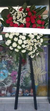 Cenaze çiçeği cenaze çiçek modelleri  Antalya Melisa çiçek siparişi sitesi