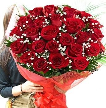 Kız isteme çiçeği buketi 33 adet kırmızı gül  Antalya Melisa çiçek gönderme sitemiz güvenlidir