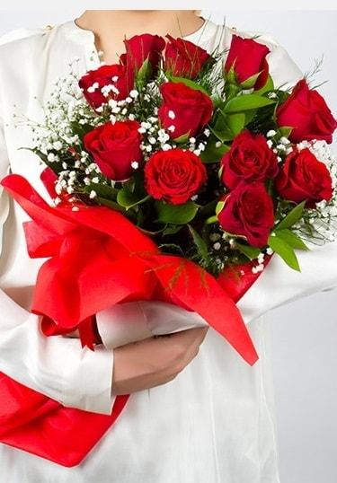 Aşk Gülleri 11 Adet kırmızı gül buketi  Antalya Melisa çiçekçi telefonları