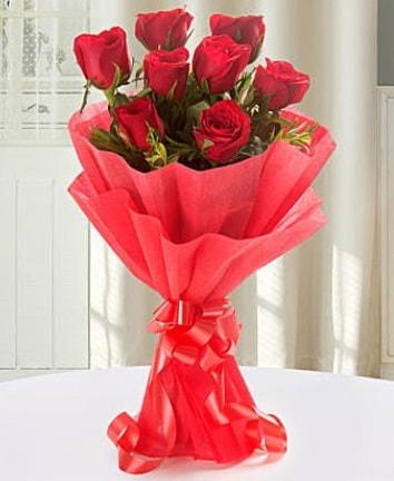 9 adet kırmızı gülden modern buket  Antalya Melisa Melisa İnternetten çiçek siparişi